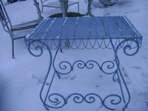 shabby chic blue wire table in Glendale Heights, Illinois