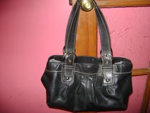 beautiful black leather coach purse in Lockport, Illinois